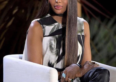 Naomi Campbell wearing our powder colour Duang to warm up her skin!